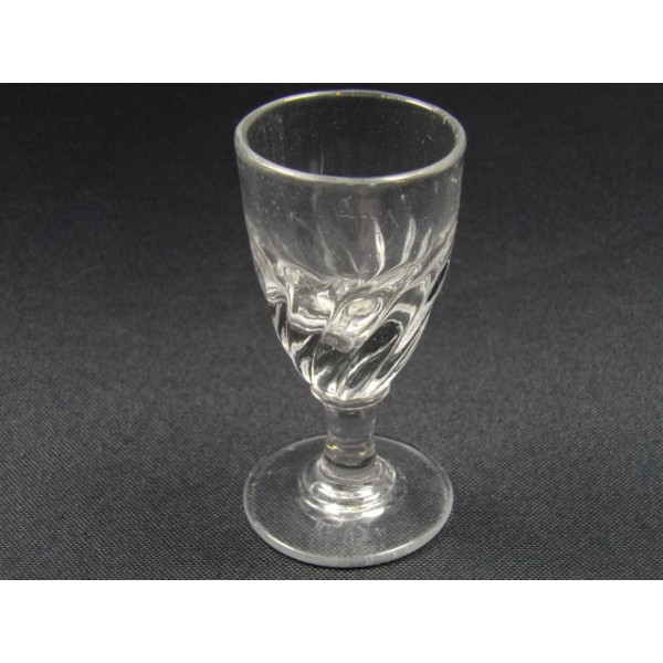 lot de 6 verres pied liqueur anciens brocante lestrouvaillesdecaroline. Black Bedroom Furniture Sets. Home Design Ideas