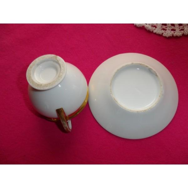 tasse th en porcelaine de paris brocante lestrouvaillesdecaroline. Black Bedroom Furniture Sets. Home Design Ideas