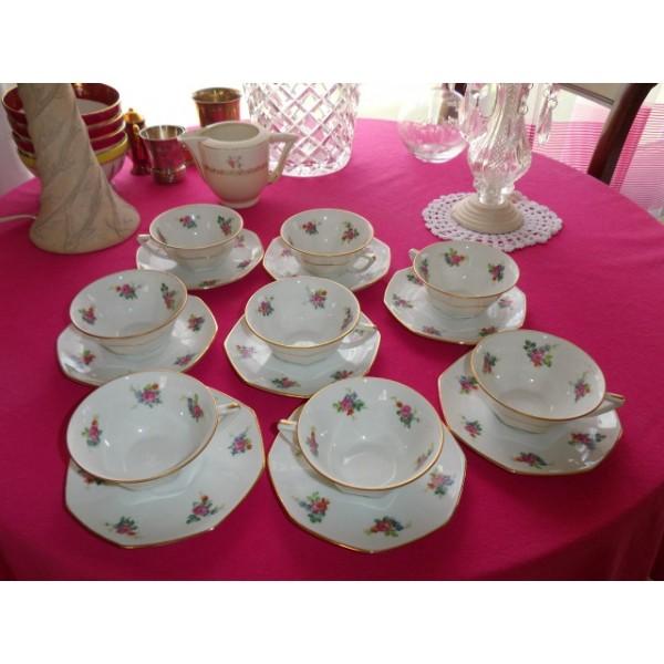 ensemble de 8 tasses caf en porcelaine legrand limoges brocante lestrouvaillesdecaroline. Black Bedroom Furniture Sets. Home Design Ideas