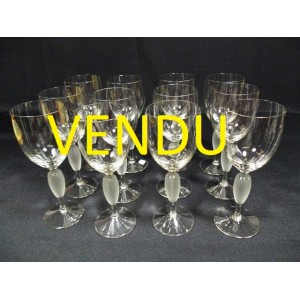service de 12 verres pied vin en cristal brocante lestrouvaillesdecaroline. Black Bedroom Furniture Sets. Home Design Ideas