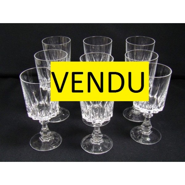 s rie de 9 verres vin cristal d 39 arques mod le louvre brocante lestrouvaillesdecaroline. Black Bedroom Furniture Sets. Home Design Ideas