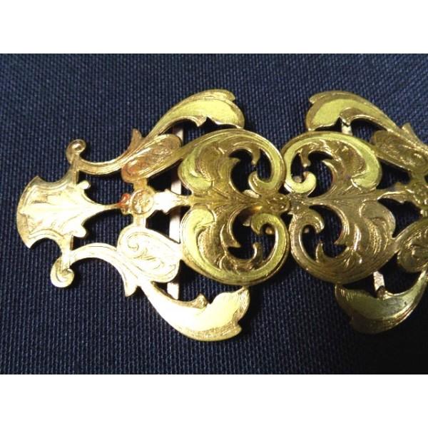 53495bb0cce Boucles de ceinture anciennes en métal doré - brocante ...