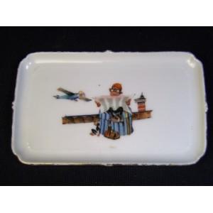 Petit plateau de dînette en porcelaine