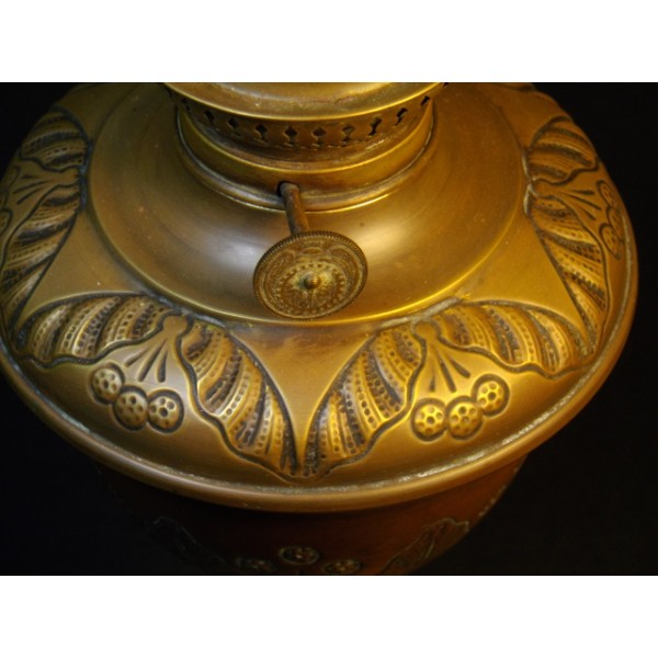 ancien pied de lampe p trole en cuivre brocante lestrouvaillesdecaroline. Black Bedroom Furniture Sets. Home Design Ideas