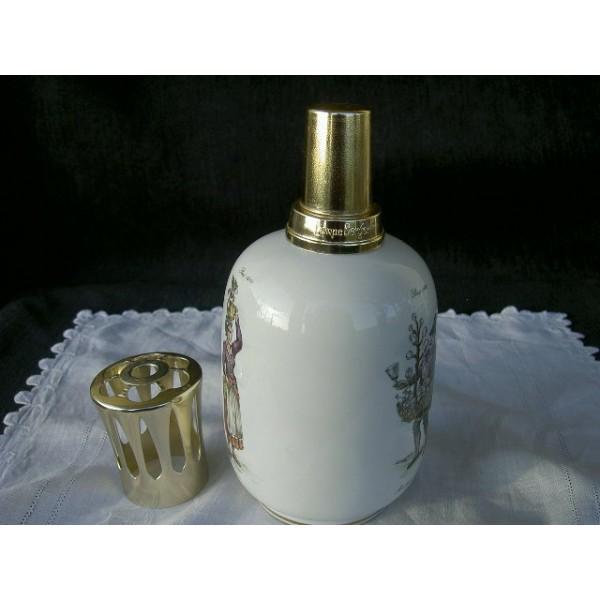 Lampe berger en porcelaine th me m tiers de paris au xvii me brocante lestr - Lampe berger utilisation ...