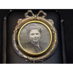 Broche ancienne porte-photo en métal argenté