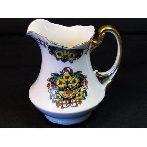 Pot à lait ou crémier en porcelaine AF à Limoges vers 1900