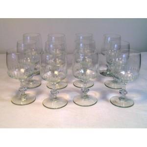 Série de 12 verres à vin cuit en cristal vers 1960