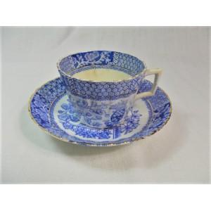 Tasse à thé ancienne en Porcelaine anglaise Blairs N3