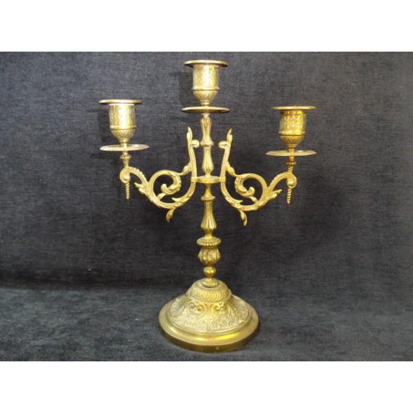 ancien chandelier 3 branches en bronze brocante lestrouvaillesdecaroline. Black Bedroom Furniture Sets. Home Design Ideas