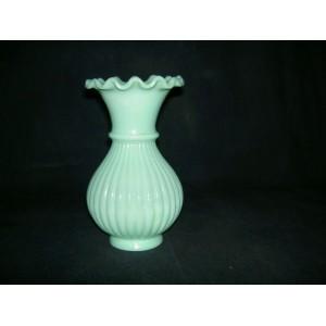 Vase en opaline de foire