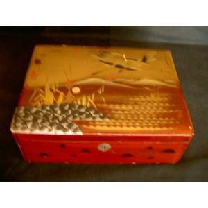 Boîte en bois laqué début 20ème siècle